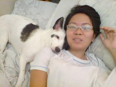 Libay et notre chien Itchy